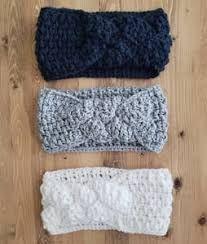 21 Headband Crochet Patterns – Great Ear Warmers - A More Crafty Life Crochet Ear Warmer Pattern, Crochet Headband Pattern, Crochet Beanie, Crochet Baby, Knit Crochet, Crochet Patterns, Crochet Hood, Knit Headband, Crochet Crafts