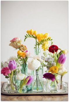 Crea centros de flores originales y fáciles en 5 minutos. ¿Cómo decorar tu casa de primavera? Inspírate aquí,.