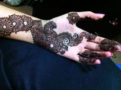 Latest Eid ul Fitr Chand Raat Mehndi Designs 2015 for girls (3)