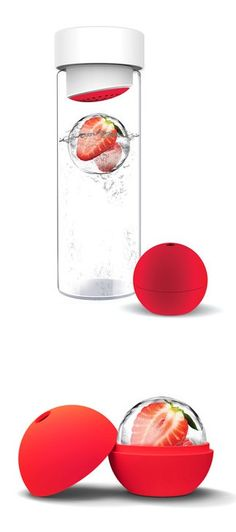 Fruit Infused Water Bottle w/ Ice Ball // Freeze Fruit Inside to Keep your Drinks Cold & Fruity #fitness #exercise #healthy