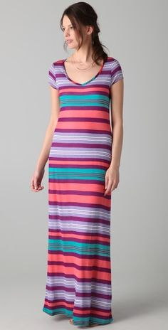 """I actually tried on this Splendid dress thinking """"no way will this look good"""", but somehow it does, the curve-hugging material counteracting the rigidness of the stripes. Unfortunately there was a pulled string in the one I tried on so I let it go, yet now I keep thinking on the """"one who got away."""""""