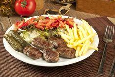 Lokanta Usulü Izgara Köftesi Hazırlamanın 11 Püf Noktası - Yemek.com Keto, Cobb Salad, Aloe, Ethnic Recipes, Aloe Vera
