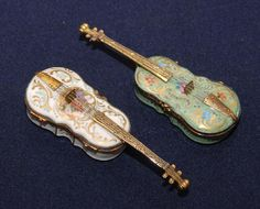 Antique French Violin Snuff Boxes.  Wish I could find some vintage ones,