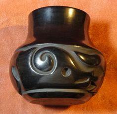 Helen Shupla Santa Clara black on black avanyu pot Native American Pottery, Native American Indians, Native Americans, Pueblo Indians, Pueblo Pottery, Santa Clara, Spirals, Pottery Art, Crock