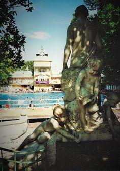 Vöslau, ein einzigartiges Thermalbad Bad Vöslau, No Worries, Places To Go, Painting, Pictures, Time Travel, Places, Travel Destinations, Travel