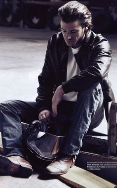 Gaspard Ulliel's style for men: Leather jacket and jeans by Dior Homme, Tshirt by American Apparel and Boots by Belstaff