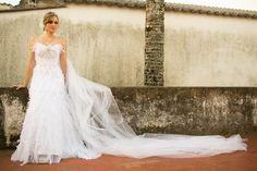 noiva: Carla Oliveira Vestido: Sylvana Meneghini Alta Costura Casamento produzido por Denise Bittencourt Santiago-RS/Brasil Fotos: Marcelo Andrade