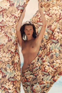 PIRELLI CALENDAR Marking fifty years of seduction  Taken from the Pirelli archives: April 1994 Photo by Herb Ritts in the Bahamas