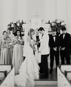 Splendid Wedding Photos in Black and White. I love wedding prayer pictures.
