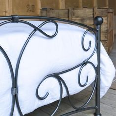 Hand-Forged Iron Beds – The Lyra