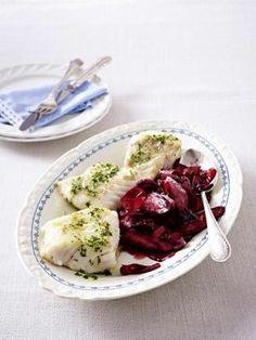 Das Rezept für Lauwarmer Salat von der Urmöhre zu Kabeljaufilet und weitere kostenlose Rezepte auf LECKER.de