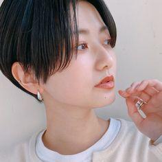 Pin on ヘアスタイル Short Hair Cuts, Short Hair Styles, Sexy Shorts, Girl Fashion, Makeup, Beauty, Haircuts, Hairstyles, Draw