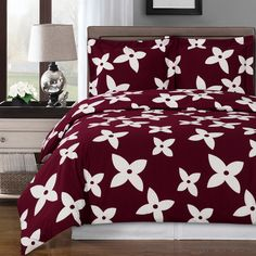 Modern Teen Girls Floral Pattern Red Burgundy and White 100 percent Egyptian Cotton Duvet Comforter Cover and Shams Set. Reversible for 2 Look in 1 . Cute and Fun bedding for any Girls bedroom girls Cute Duvet Covers, Unique Duvet Covers, King Duvet Cover Sets, Comforter Cover, Comforter Sets, King Comforter, Queen Duvet, Grey Duvet, Quilts