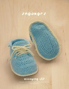 Baby Sneakers Crochet PATTERN by kittying.com from mulu.us | This pattern includes sizes for 0 - 12 months.