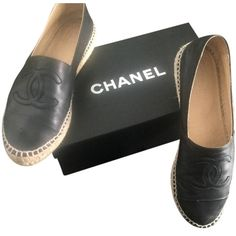 718e73095699 Pre-owned Chanel Black Espadrille Flats (£425) ❤ liked on Polyvore  featuring shoes