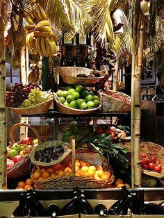 fruit display in paris