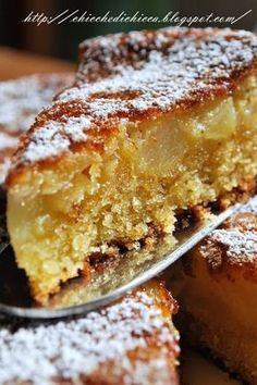 La torta di mele per eccellenza. Questa è la torta che mi riporta indietro. ♦๏~✿✿✿~☼๏♥๏花✨✿写☆☀🌸🌿🎄🎄🎄❁~⊱✿ღ~❥༺♡༻🌺TU Dec ♥⛩⚘☮️ ❋ Italian Cake, Italian Desserts, Italian Recipes, Italian Dishes, Apple Recipes, Sweet Recipes, Cake Recipes, Food Cakes, Torte Cake