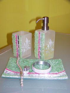 Set da bagno 3 pezzi in tessere mosaico a specchio e vetro craklé verde e fucsia