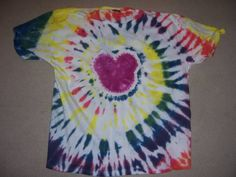 Mickey Mouse spiral tie-dye directions - step by step with photos. GREAT tutorial!