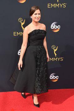 Maura Tierney | Todos os looks do Emmy 2016