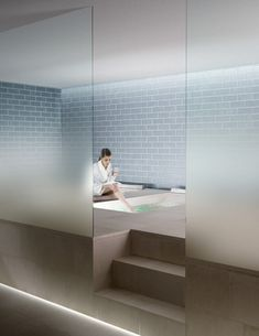 The new transparent glass with a gradient satin finish for walls, spa and wellness rooms.