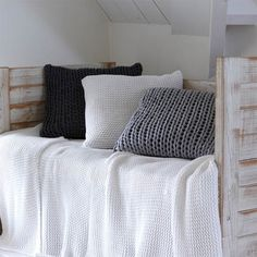 House in Style Oxford Plaid 150 x 240 cm - White Cozy Nook, Cosy Corner, Home Bedroom, Bedrooms, My New Room, Cozy House, Home Interior Design, Living Spaces, Sweet Home