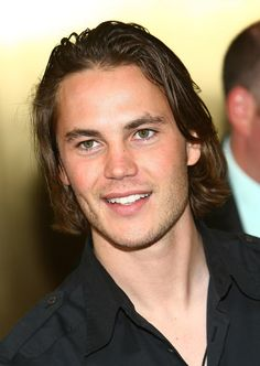 Taylor Kitsch is a Canadian actor and model. He is known for his role as Tim Riggins in the NBC television series Friday Night Lights Taylor Kitsch, Beautiful Men, Beautiful People, Tim Riggins, Hair Trends 2015, Friday Night Lights, Luke Evans, Celebs, Celebrities