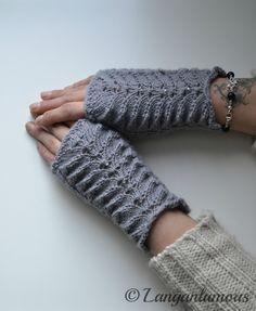 Knitting Socks, Knit Socks, Knitting Patterns Free, Free Knitting, Fingerless Gloves, Arm Warmers, Knit Crochet, Crocheting, Ganchillo