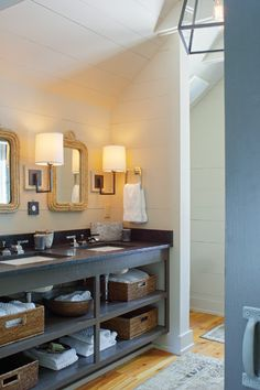 An antebellum cottage make-over in Savannah featuring the Small Aspect Articulating Sconces: BBL2028