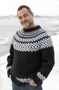 Strik en sweater mage til Bonderøvens Jumper Patterns, Poncho Knitting Patterns, Knitting Designs, Knitted Cape Pattern, Knitted Poncho, Nordic Sweater, Men Sweater, Mens Poncho, Icelandic Sweaters