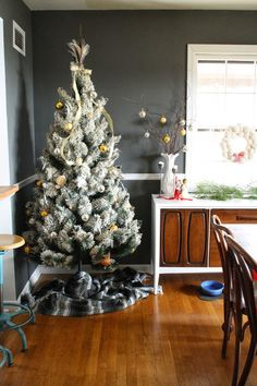 Silver, White & Gold Feather Adorned Tree