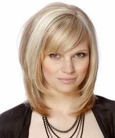 Best-Highlight-Medium-Blonde-Hair-with-Side-Swept-Bangs-and-Long-Bob-Hairstyles-for-Oval-Shaped-Face-and-Thick-Hair.jpg (690×828)