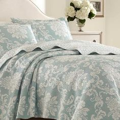 Laura Ashley Venetia Cotton Reversible Quilt Set by Laura Ashley Home Size: Full/Queen Laura Ashley Venetia, Laura Ashley Home, King Size Quilt, Queen Quilt, King Quilt Sets, Ruffle Bedding, Blue Quilts, Comforter Sets, Bedroom Comforters