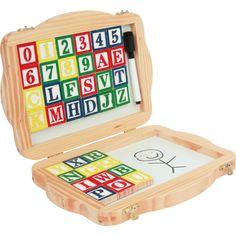 Jucăria educativă ideală pentru învățarea alfabetului și a numerelor. Cutia este prevăzută cu o încuietoare pentru a nu pierde nicio piesă, iar exteriorul este îmbodobit de imagini haioase. Creionul inclus încurajează abilitățile motorice și impusul de a scrie.  #woodentoys #jucariieducative #kidsplay #jucariidinlemn #alphabet #jucariionline