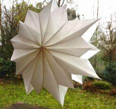 eigenfarbig: DIY Stern aus Butterbrottüten                                                                                                                                                                                 Mehr