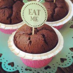 Schatzi: Low Carb Muffin - Rohkakao, Mandeln ... und KEIN Mehl! Ergibt einen superleckeren saftigen Muffin mit nur 1 g KH pro Stück!