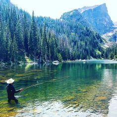 "42 Likes, 1 Comments - Jmunyan (Valeria Tarnavskaya) on Instagram: ""Dream lake, is the correct name for this paradise! #dreamlake #flyfishing #rockymountainnationalpark"""