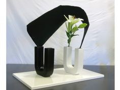"Ikebana by Betty. From my work shop for ASTA Melbourne chapter. Theme:""wire and pantyhose sculpture in an arrangement."