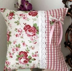 5 Fascinating Useful Tips: Shabby Chic Pattern Beds shabby chic nursery mint. 5 Fascinating Useful Tips: Shabby Chic Pattern Beds shabby chic nursery mint.Shabby Chic Diy Home. Vanity Shabby Chic, Rosa Shabby Chic, Shabby Chic Stoff, Shabby Chic Mode, Shabby Chic Vintage, Shabby Chic Dining, Shabby Chic Living Room, Look Vintage, Cottage Living