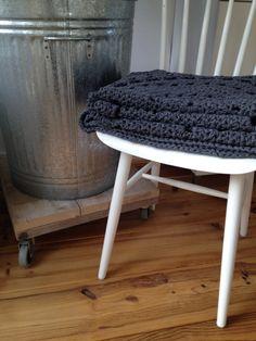 DIY - Kleed haken, stoel opknappen, verrijdbaar tafeltje maken