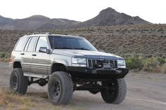 A like mine. I love the clean lines of this one but is too much for me! Cherokee 4x4, 1998 Jeep Grand Cherokee, Jeep Zj, Overland Truck, Jeep Parts, Cool Jeeps, Jeep Life, Custom Trucks, Cool Cars