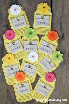 Flower Mason Jar Business Cards: Make them for next to nothing using stuff you already have! #masonjars