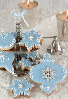 #Christmas decorated ornament shaped  #cookies ToniK ℬe Meℜℜy Tiffany blue silver dragées tartasdecoradasycupcakes.com