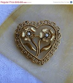 Filigree Heart Pin With Simulated Pearls in Flowers Gold Tone