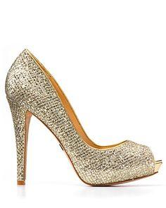 I want glitter shoes sooo bad! Peep Toe Platform, Peep Toe Pumps, Love Fashion, Fashion Shoes, Heeled Boots, Shoe Boots, Badgley Mischka, Glitter Shoes, Sneaker Boots