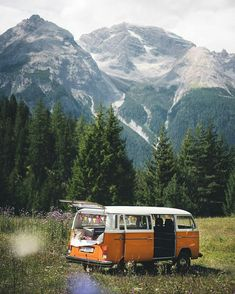 Share your photos on … - Van Life Wolkswagen Van, Kombi Hippie, Places To Travel, Places To Visit, Road Trip, Photos Voyages, Lofoten, Travel Aesthetic, Travel Goals
