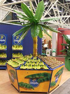 Welcome to FreshPlaza Supermarket Design, Retail Store Design, Wooden Pallet Furniture, Wooden Crates, Mercado Madrid, Fruit And Veg Shop, Juice Bar Design, Produce Displays, Meat Store