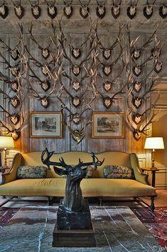 Hunting Lodge Interiors, Hunting Lodge Decor, Log Home Interiors, Lightroom, Gun Rooms, Trophy Rooms, Traditional Interior, Rustic Design, Design Design