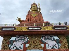 Samdruptse Hill is 6 km from Namchi and 75 km from Gangtok. It is surmounted by a giant statue of Guru Padmasambhava who is the patron saint of Sikkim. At 148 feet, it is the tallest statue in the world of Guru Padmasambhava. The hill is at a height of 5,500 feet. On a clear day, you can see Mount Kanchenjunga from the hilltop.