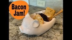 How to make BACON JAM! Ingredients: pound of smoked bacon medium red onion garlic cloves cup balsamic vinegar cup apple cider vinegar Bacon Videos, How To Make Bacon, Best Bacon, Bacon Jam, Smoked Bacon, Bacon Recipes, Pudding, Apple, Breakfast